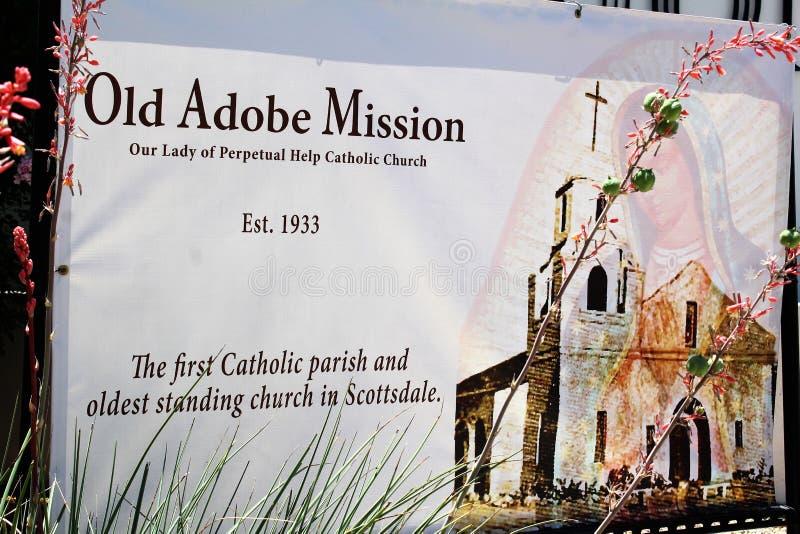 Gammal Adobe beskickning, vår dam av den eviga hjälpkatolska kyrkan, Scottsdale, Arizona, Förenta staterna fotografering för bildbyråer
