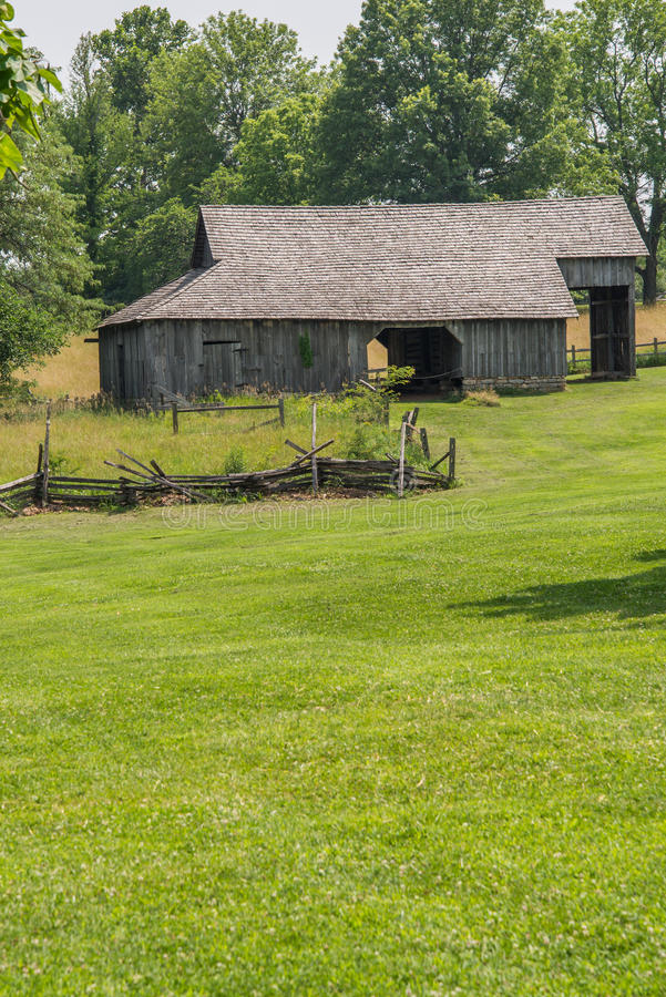 gammal amish ladugård royaltyfri foto