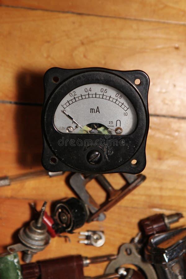 Gammal amperemeter royaltyfria foton