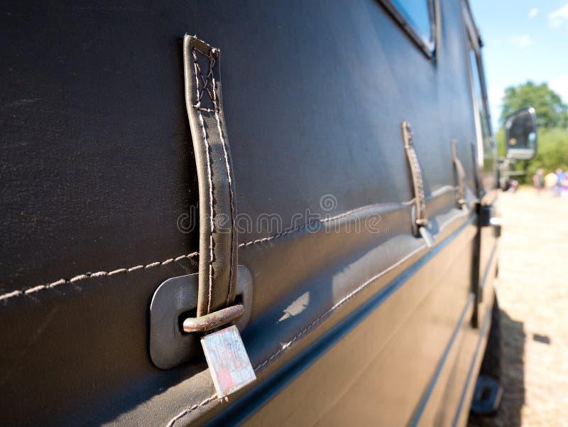 Gammal använd lastbillutande royaltyfri bild