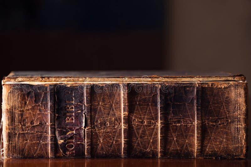 gammal bibelhelgedom arkivfoto