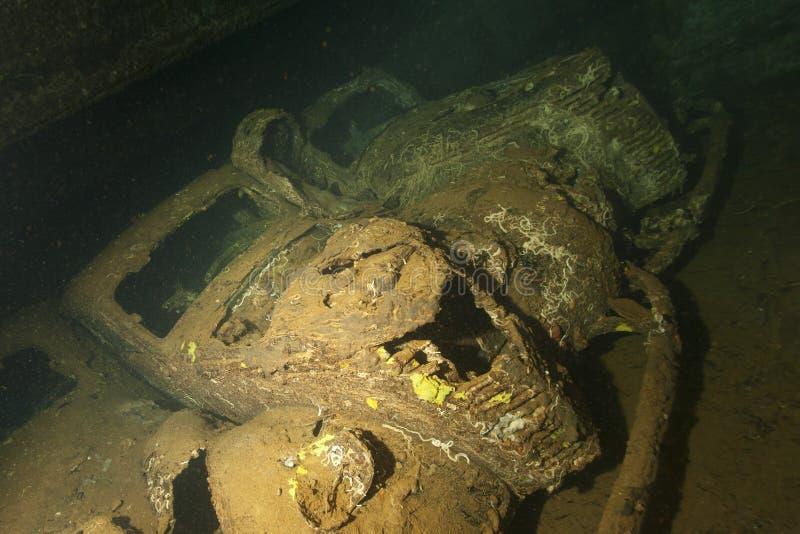 Gammal bil inom II haveriet för världskrigskepp i Röda havet arkivfoton