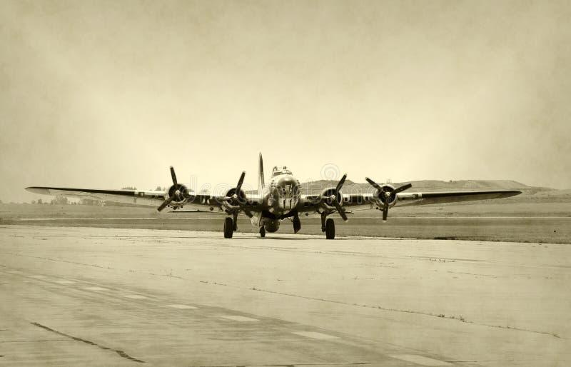 gammal bombplan royaltyfri foto