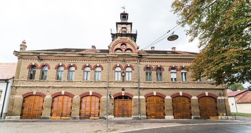 Gammal brandstation, Slavonski Brod, Craotia arkivbild