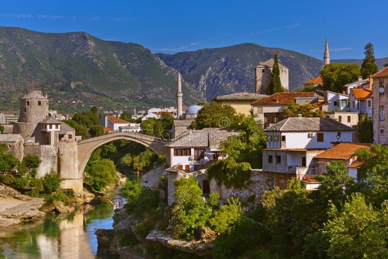 Gammal bro i Mostar - Bosnien och Hercegovina royaltyfria foton