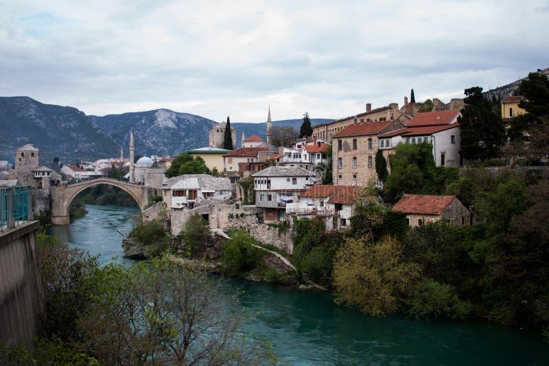 Gammal bro Mostar arkivfoton