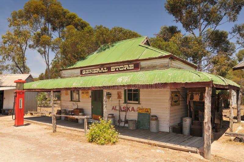 Gammal butik i Gamla Tailem Town Australiens största pionierby, Tailem Bend, Australien arkivfoton