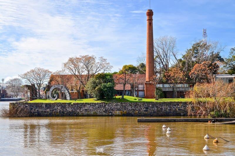 Gammal chiminea i Colonia, Uruguay arkivbild