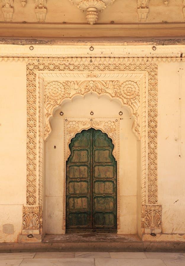 Gammal dörr i Palace, Jodhpur, Rajasthan, Indien royaltyfri fotografi