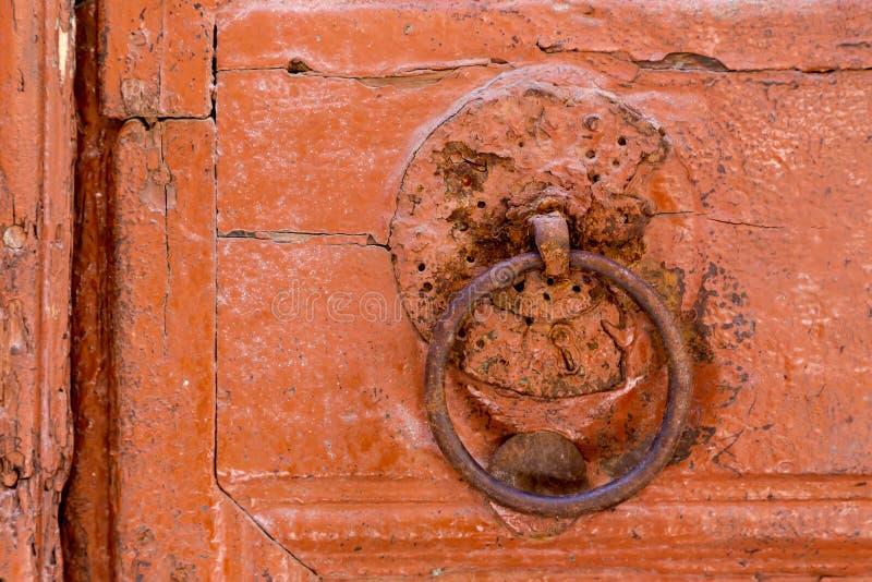 gammal dörrknackare royaltyfria bilder