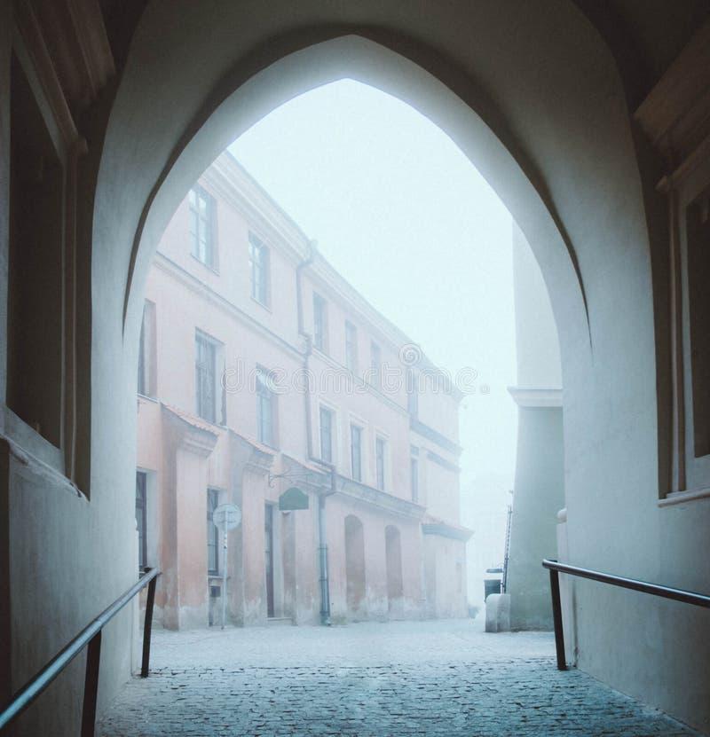 Gammal dimmig morgon fotografering för bildbyråer