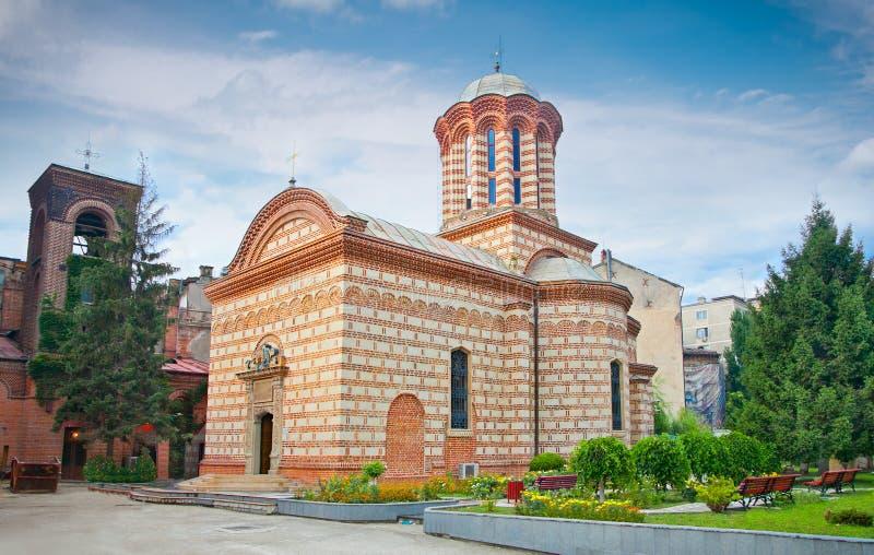 Gammal domstolkyrka i Bucuresti, Rumänien. royaltyfria foton