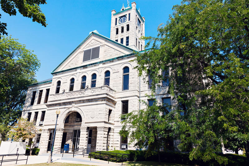 Gammal domstolsbyggnad i Taylorville royaltyfria foton
