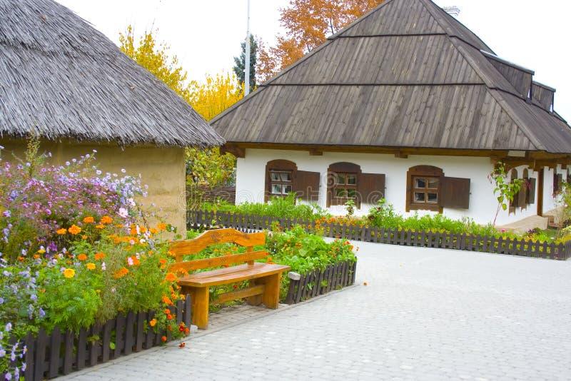 gammal by för hus royaltyfri bild