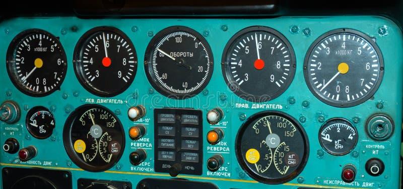 Gammal flygplankabin arkivbild