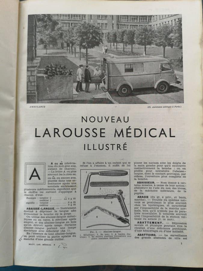 Gammal fransk medicinsk bok med illustrationer fotografering för bildbyråer