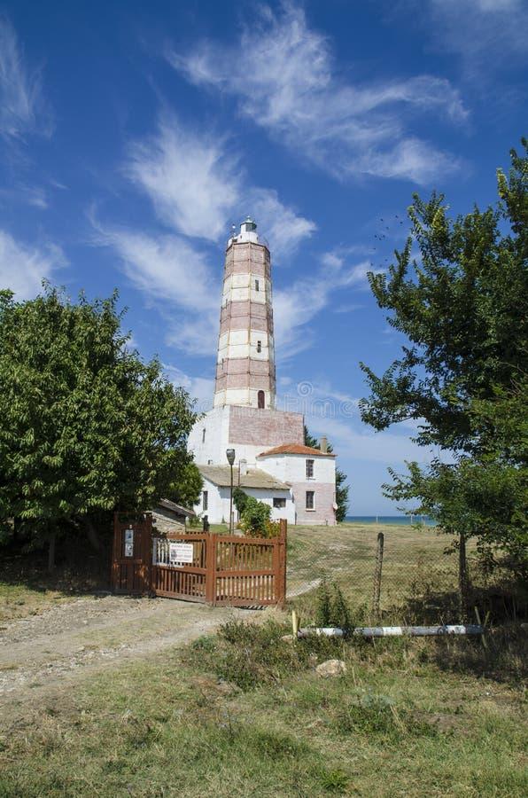 Gammal fyr på Blacket Sea, Bulgarien royaltyfri bild
