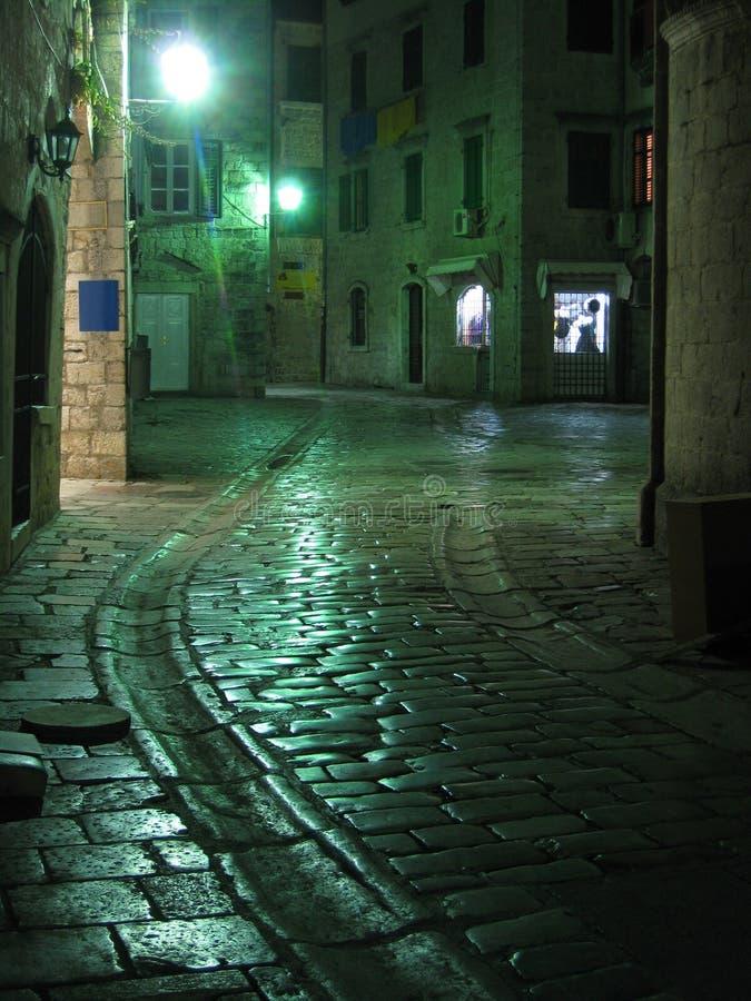 gammal gata för kotor fotografering för bildbyråer