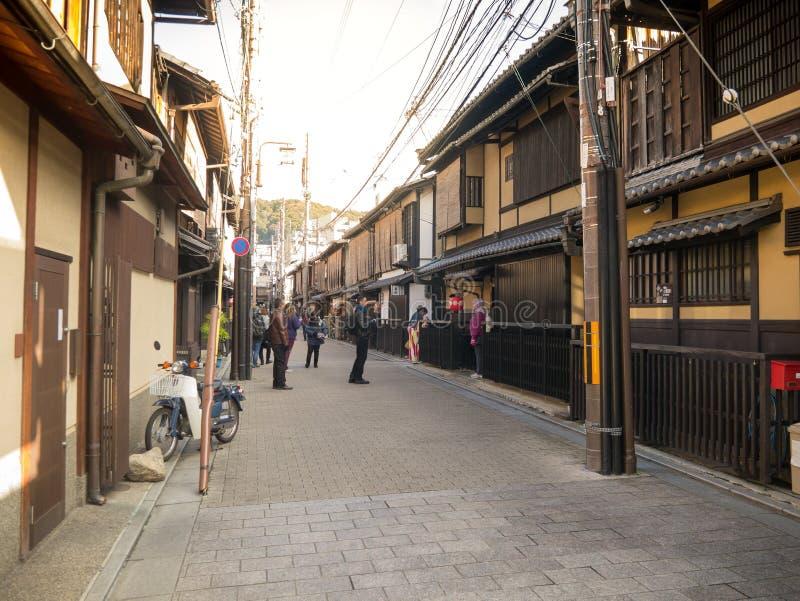 Gammal gata i Kyoto fotografering för bildbyråer