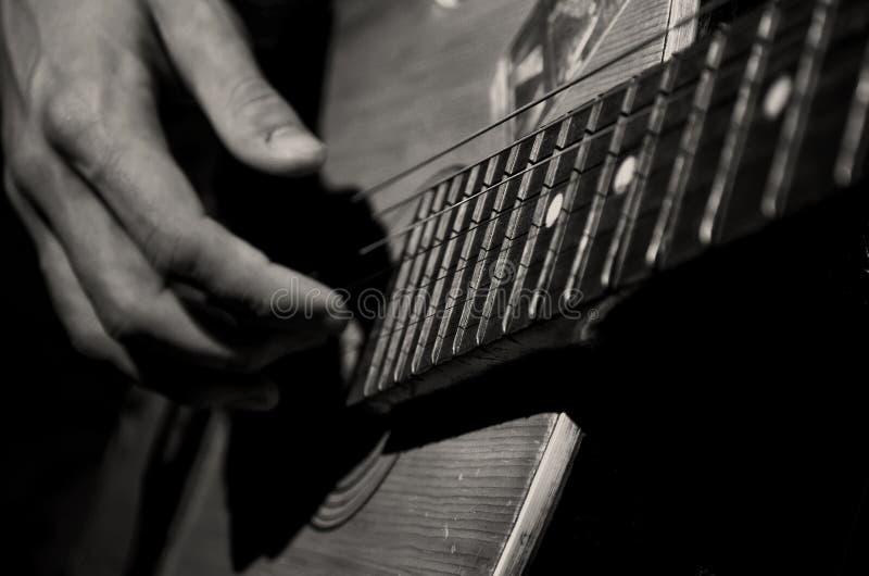 gammal gitarr arkivfoton