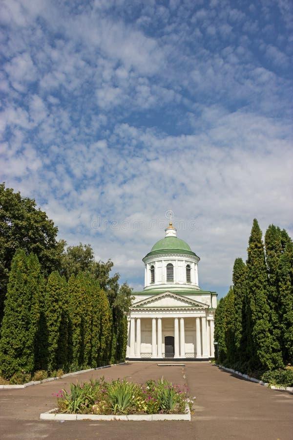 Gammal grekisk kyrka i Nizhyn, Ukraina royaltyfria bilder