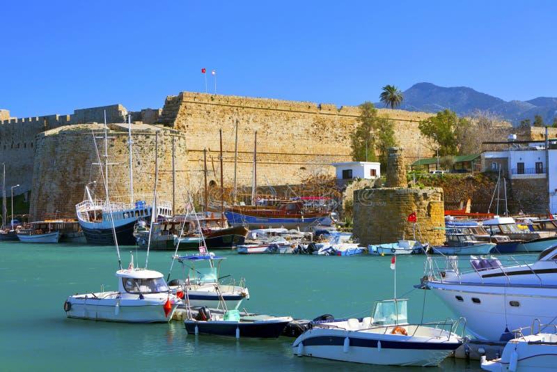 Gammal hamn i Cypern. arkivbild