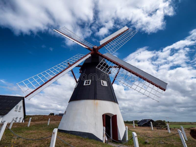 Gammal holländsk väderkvarn på ön Mandoe, Danmark för wadden hav fotografering för bildbyråer