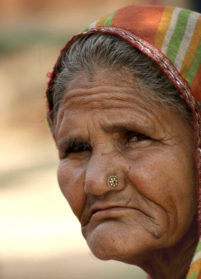 Gammal indisk kvinna royaltyfria foton