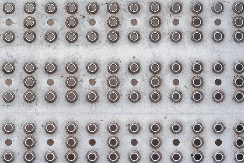 Gammal industriell metallbakgrund Nit metalltextur arkivbilder