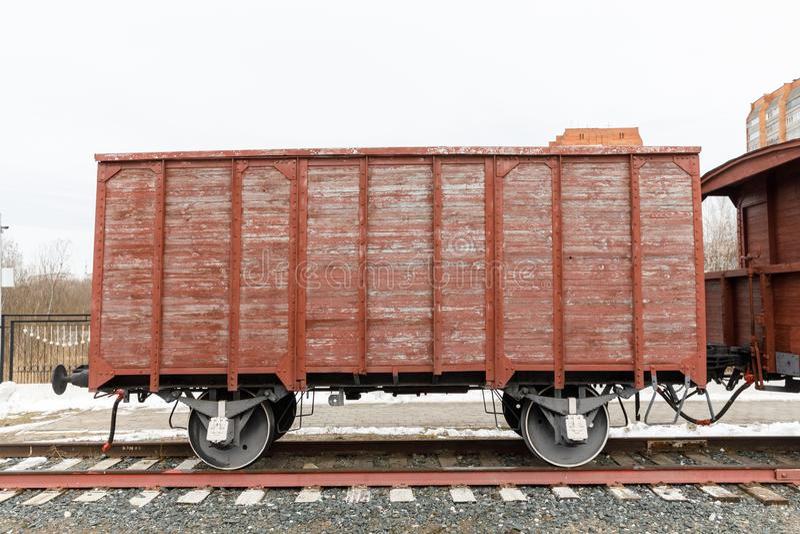 Gammal järnväg träbil av eraångalokomotiven arkivfoto
