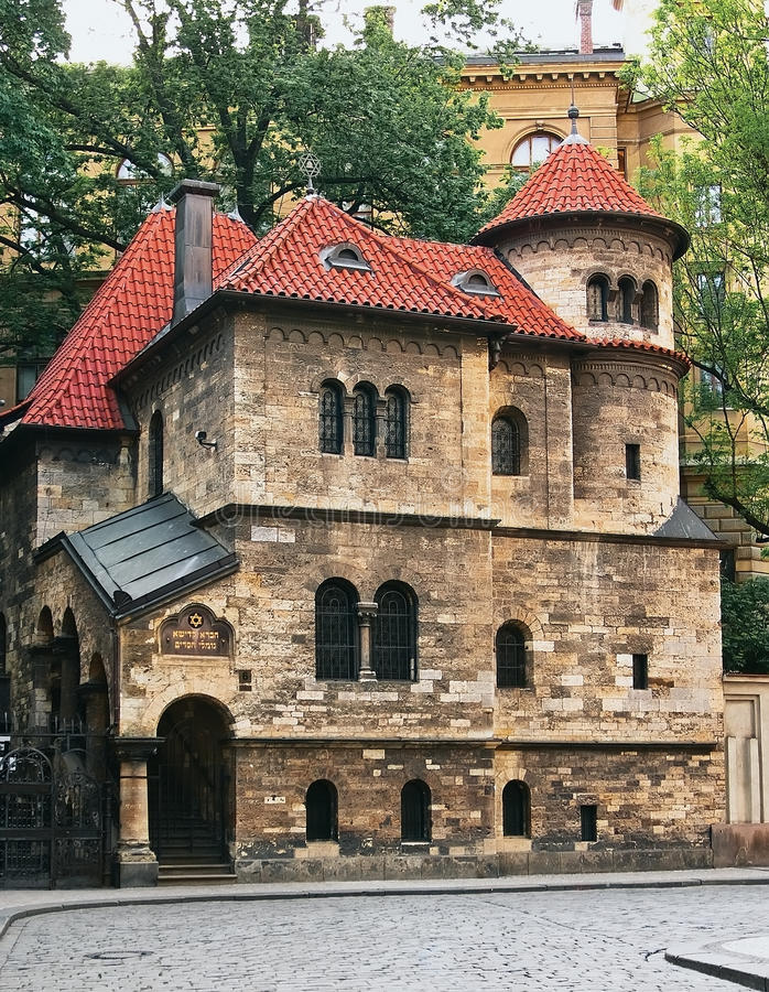 Gammal judisk synagoga royaltyfri foto