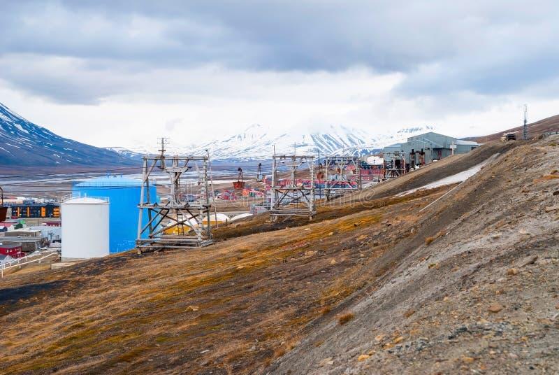 Gammal kabelbil för koltrans., Svalbard, Norge royaltyfria bilder