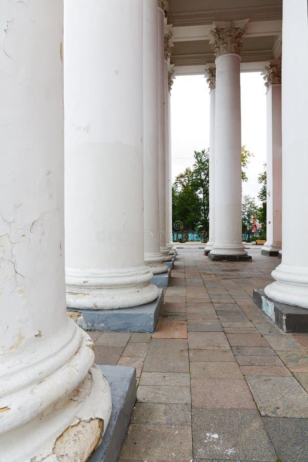Gammal klassisk stil för pelare royaltyfria foton