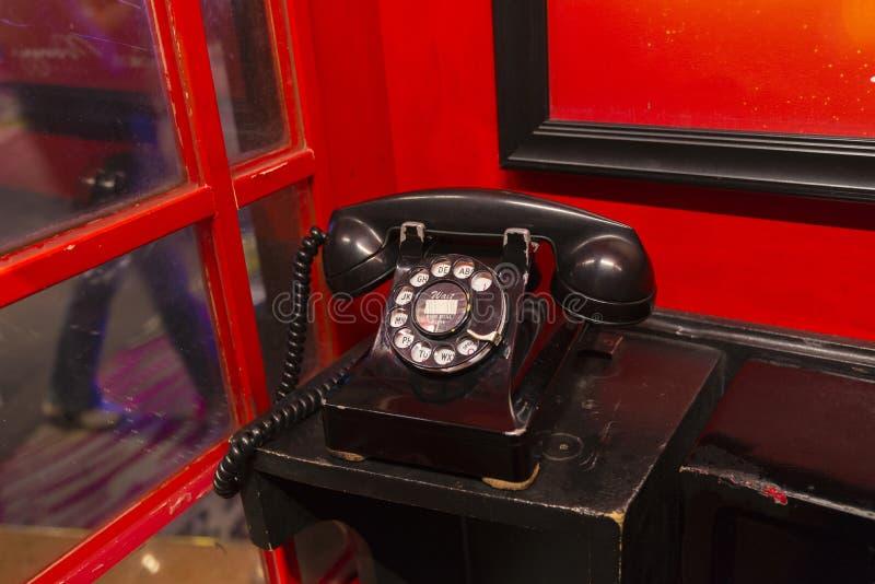 Gammal klassisk telefon royaltyfria bilder
