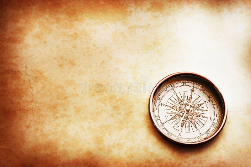 gammal kompass royaltyfri bild