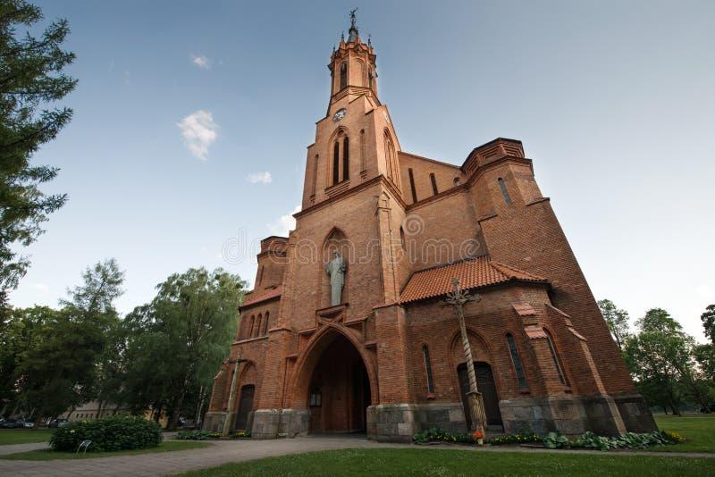 Download Gammal kyrka i gatan fotografering för bildbyråer. Bild av berömdt - 78726767