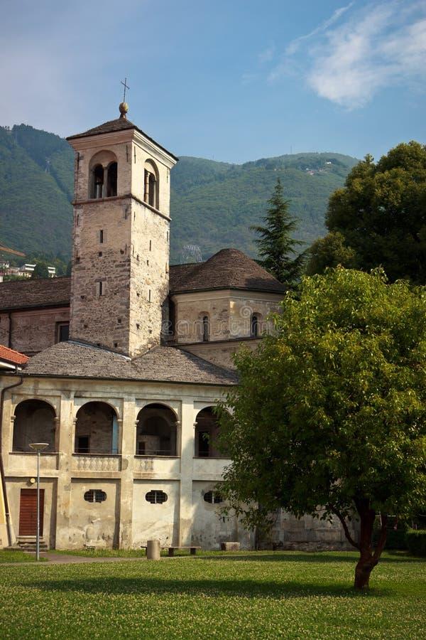 Gammal kyrka i Locarno, Schweiz arkivbild