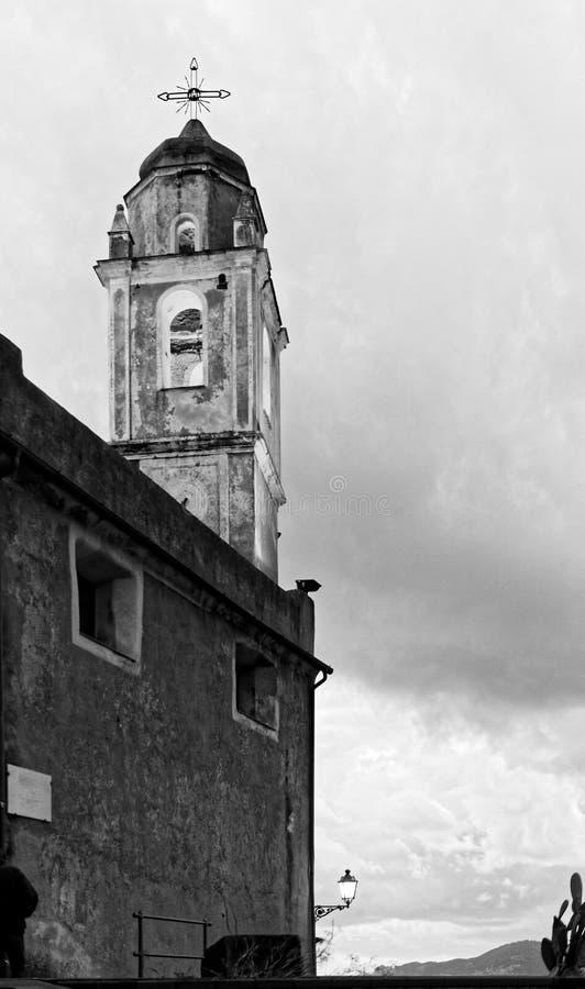 gammal kyrka i tellaro royaltyfri fotografi