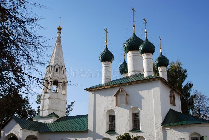 Gammal kyrka i Yaroslavl (Ryssland) royaltyfria bilder