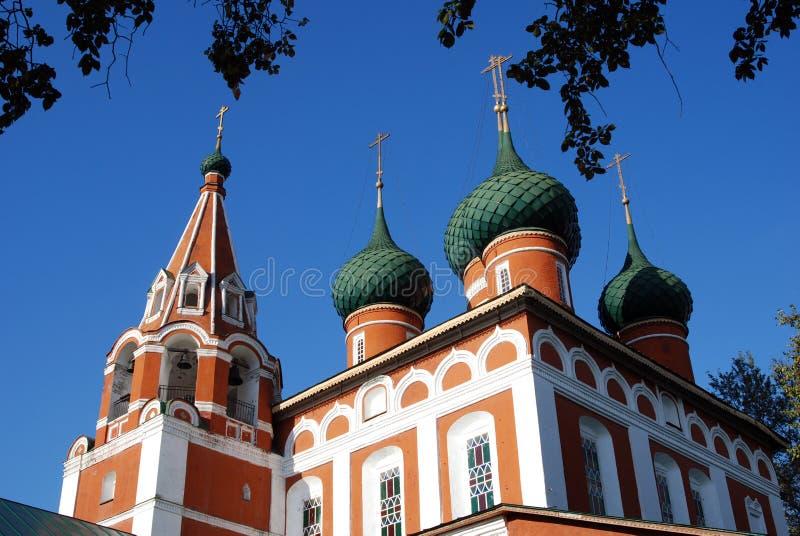 Gammal kyrka i Yaroslavl (Ryssland) royaltyfri bild