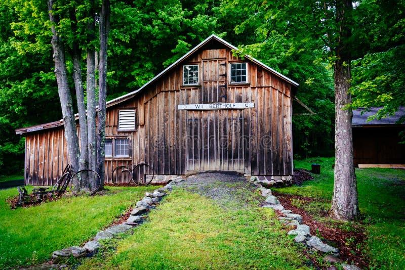 Gammal ladugård på den Millbrook byn, på den beträffande Delaware vattenGap medborgaren arkivfoton