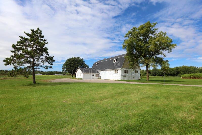 Gammal ladugård på lantgården i Michigan USA royaltyfri foto