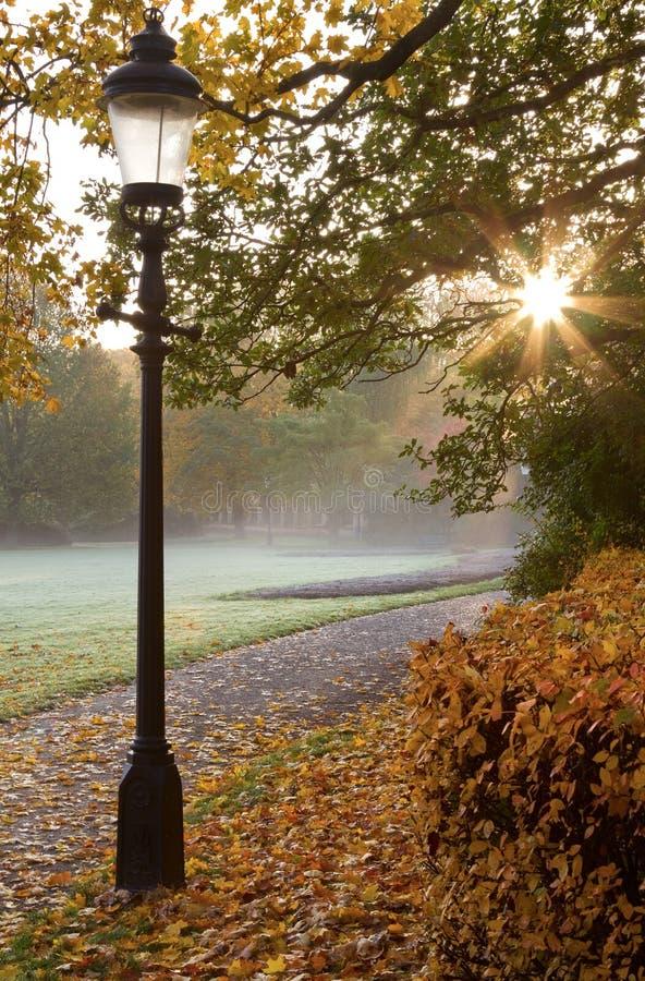 gammal lamppost royaltyfri fotografi