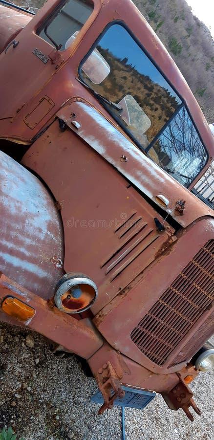 gammal lastbil royaltyfri foto