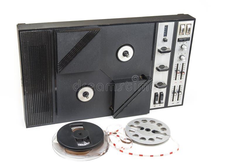 Gammal ljudsignal magnetisk bandspelarerulle som reel från seventies royaltyfria foton