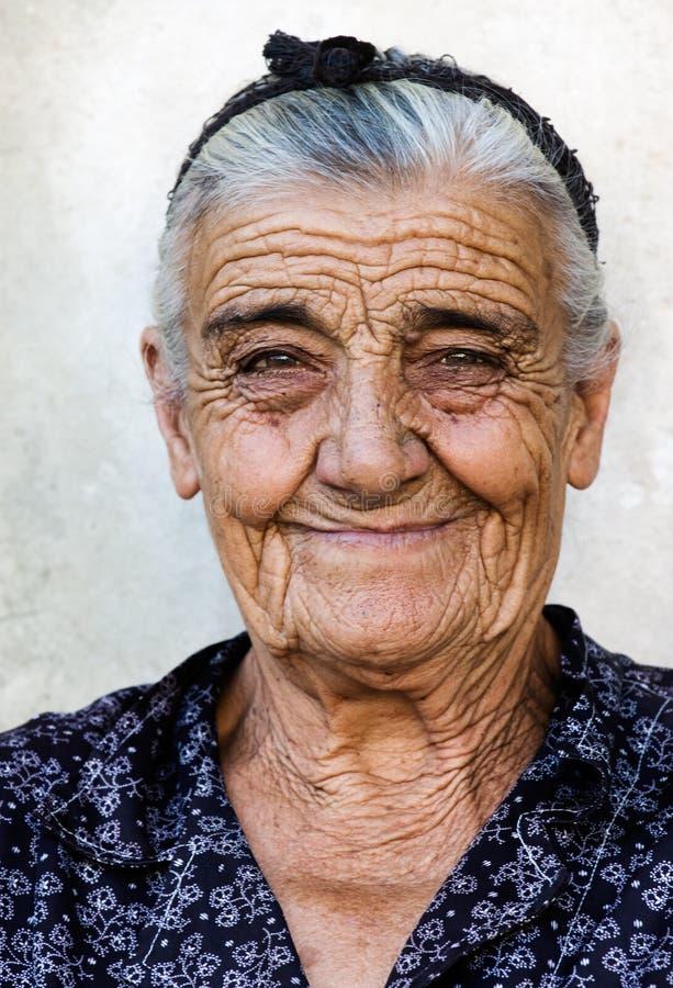 gammal lycklig lady royaltyfri fotografi