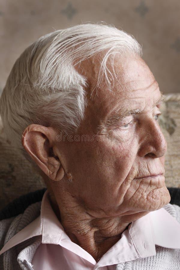 gammal man arkivbild