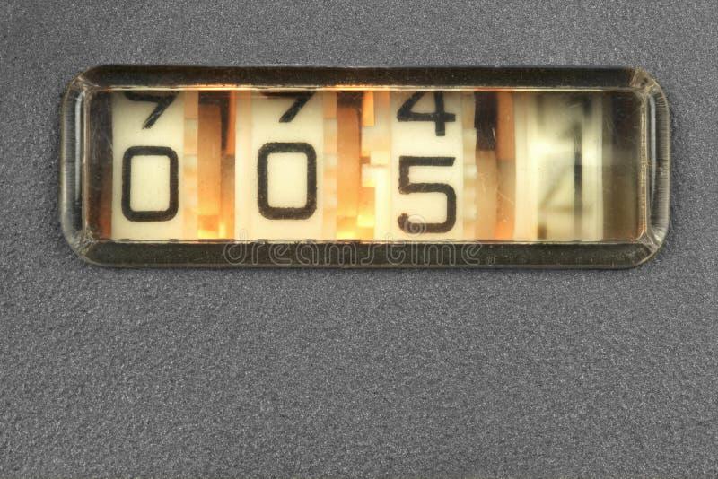Gammal mekanisk räknare arkivfoton