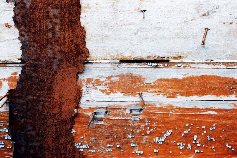 Gammal metall- och träbakgrund arkivbild