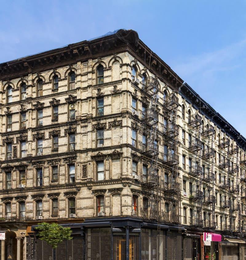 Gammal New York City hyreshus i Lower East Side arkivfoto